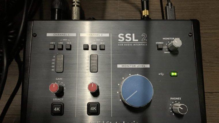 SSL2にマイクとギターをつなげた