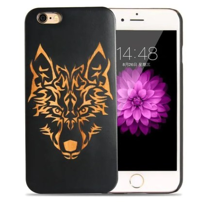 funda-de-madera-natural-oscura-lobo-para-iphone