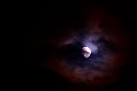 in_the_darkest_night___by_miranceaoronica-d5g5km0.jpg