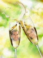 love-photo-frame-with-champagne-glasses