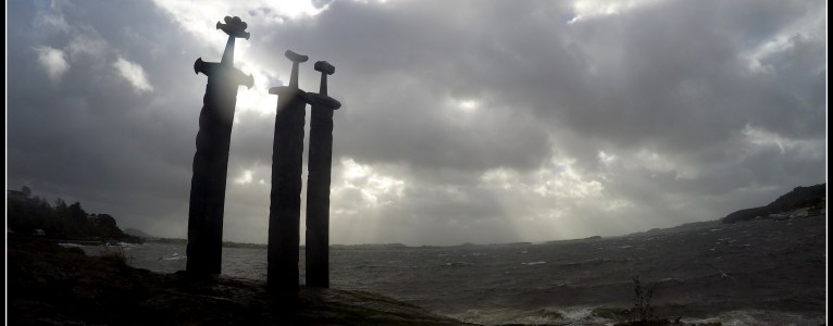 Visit Sverd i fjell (Swords in Rock)