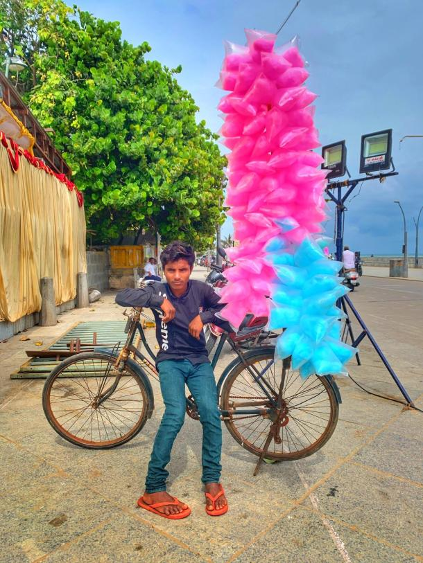 5 things to do in Pondicherry - local street vendor