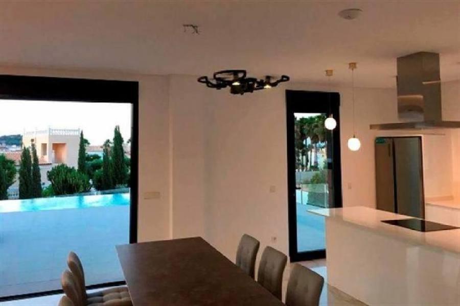 Dénia,Alicante,España,4 Bedrooms Bedrooms,3 BathroomsBathrooms,Chalets,16862