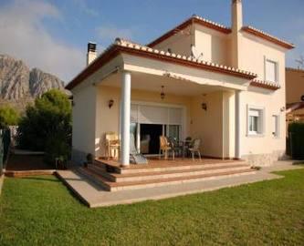 Beniarbeig,Alicante,España,4 Bedrooms Bedrooms,2 BathroomsBathrooms,Chalets,17005