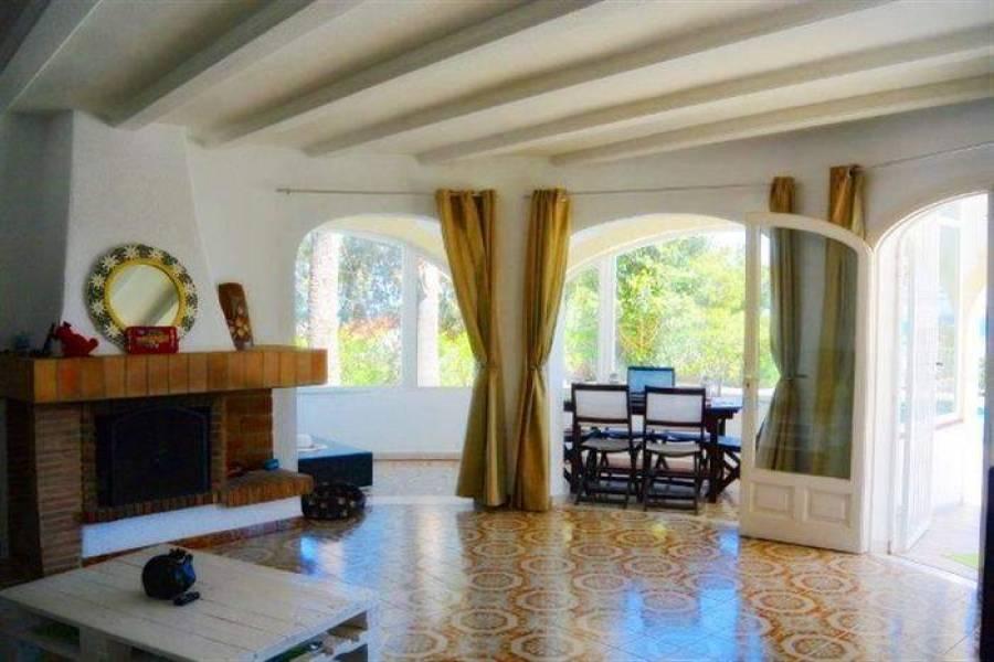 Dénia,Alicante,España,4 Bedrooms Bedrooms,2 BathroomsBathrooms,Chalets,29619