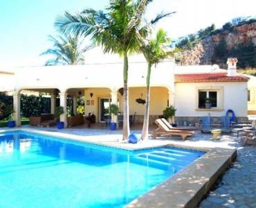 Dénia,Alicante,España,6 Bedrooms Bedrooms,4 BathroomsBathrooms,Chalets,30686