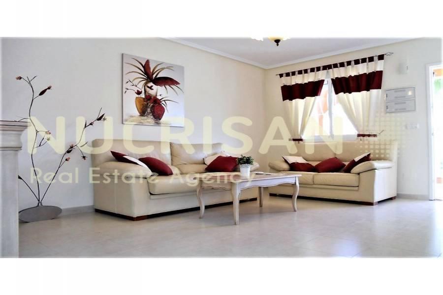 Rojales,Alicante,España,3 Bedrooms Bedrooms,2 BathroomsBathrooms,Chalets,31195