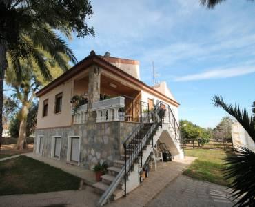 Torrevieja,Alicante,España,9 Bedrooms Bedrooms,3 BathroomsBathrooms,Chalets,34370