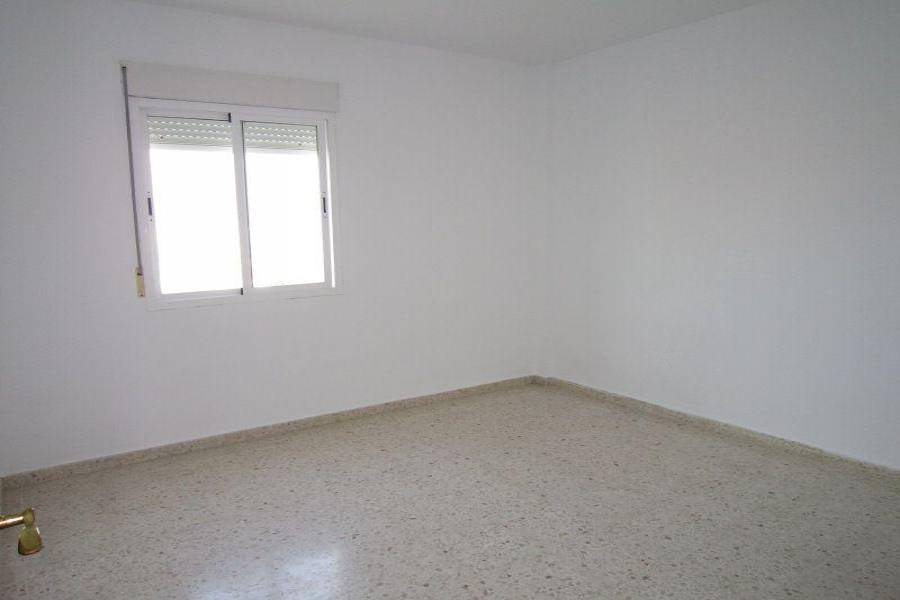 Algeciras,Cádiz,España,3 Bedrooms Bedrooms,2 BathroomsBathrooms,Pisos,3906
