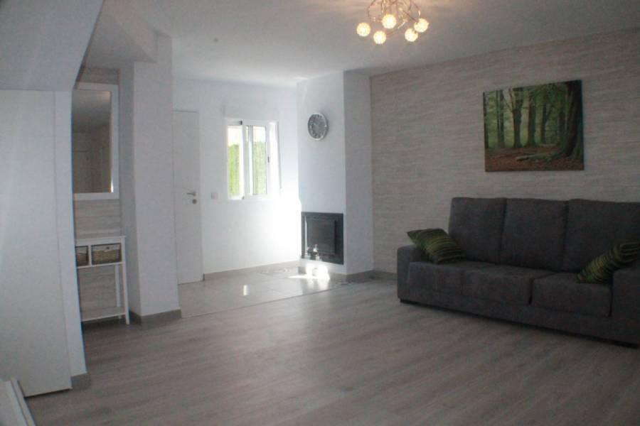 Torrevieja,Alicante,España,3 Bedrooms Bedrooms,2 BathroomsBathrooms,Adosada,39115