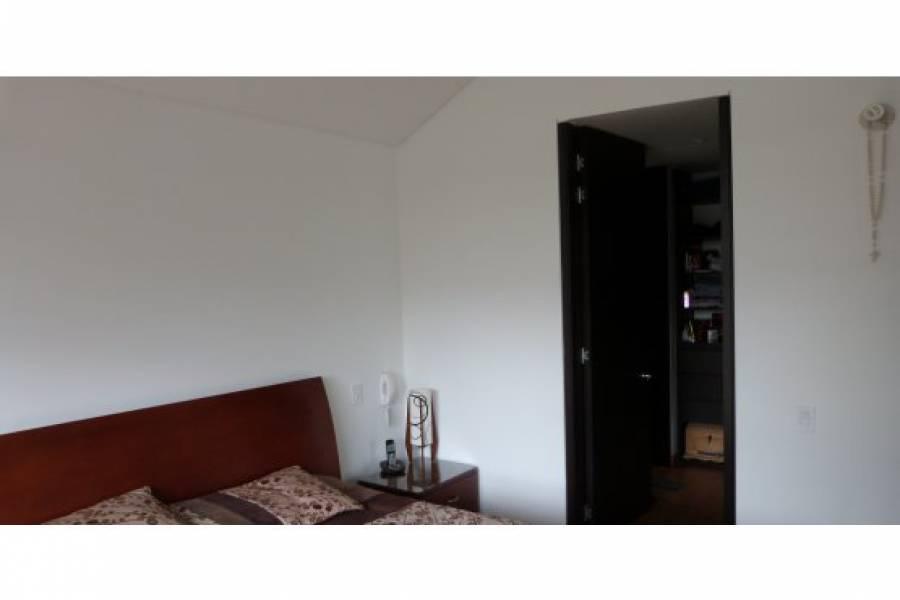 IMPERDIBLE! VER INFO...,3 Bedrooms Bedrooms,4 BathroomsBathrooms,Casas,VIA CHIA KM 2.5 CAJICA,2,40548