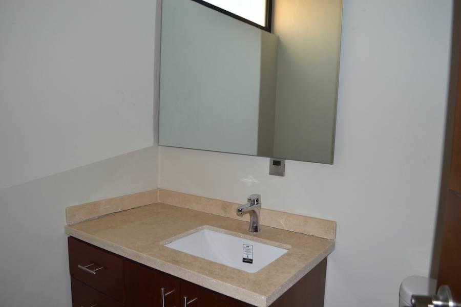 Zapopan, Jalisco, Mexico, 3 Bedrooms Bedrooms, ,3 BathroomsBathrooms,Casas,Venta,Avenida Río Blanco ,40975