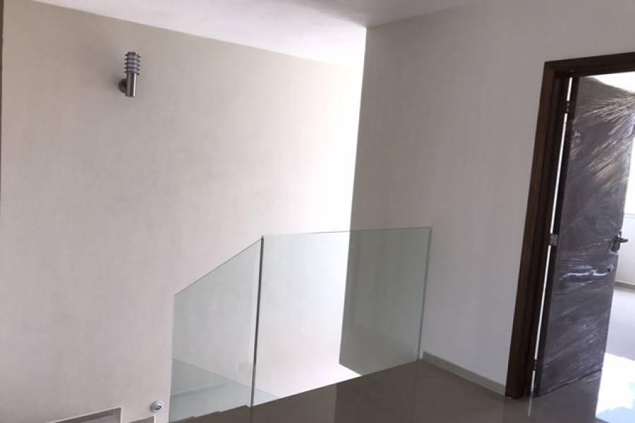 Zapopan, Jalisco, Mexico, 4 Bedrooms Bedrooms, ,3 BathroomsBathrooms,Casas,Venta,Av. Río Blanco,2,41177