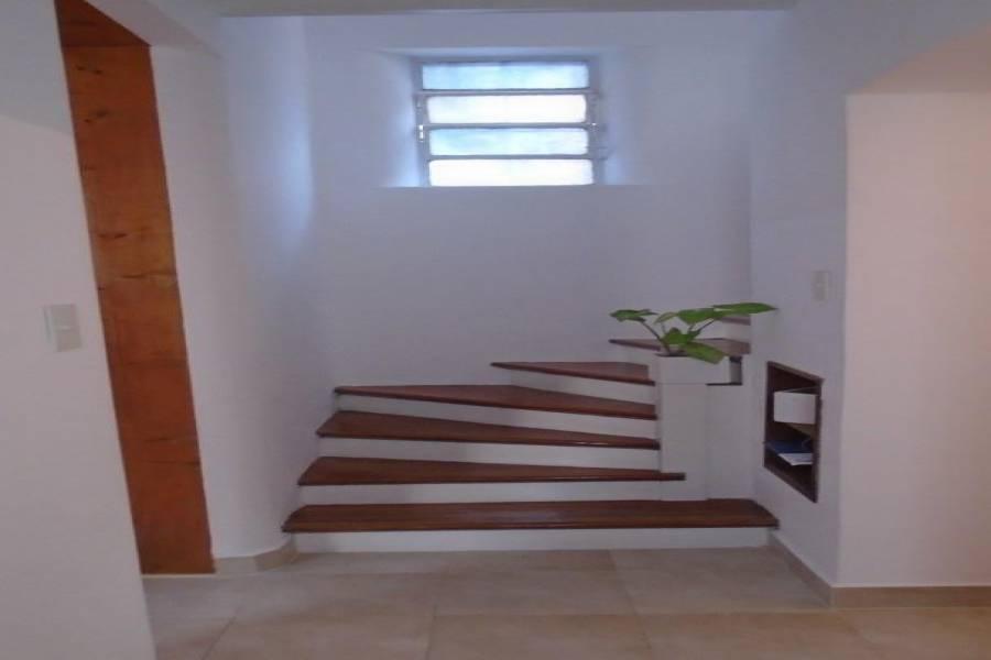 Liniers, Capital Federal, Argentina, 3 Bedrooms Bedrooms, ,2 BathroomsBathrooms,Casas,Venta,el chaco,41314
