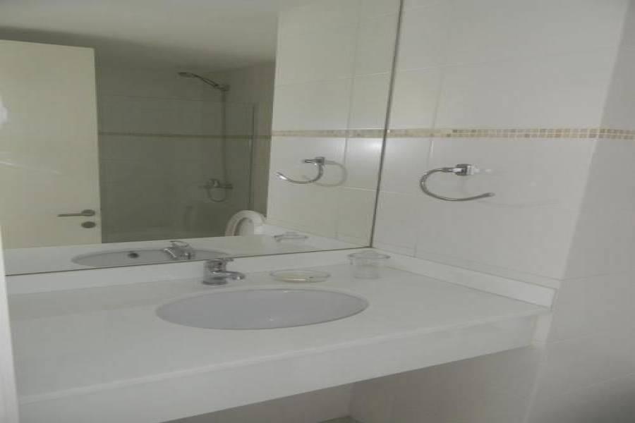 Punta del Este, Maldonado, Uruguay, 2 Bedrooms Bedrooms, ,1 BañoBathrooms,Apartamentos,Venta,41553