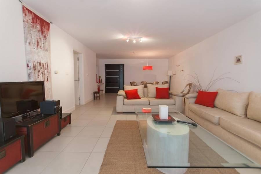 Punta del Este, Maldonado, Uruguay, 3 Bedrooms Bedrooms, ,3 BathroomsBathrooms,Apartamentos,Venta,41939