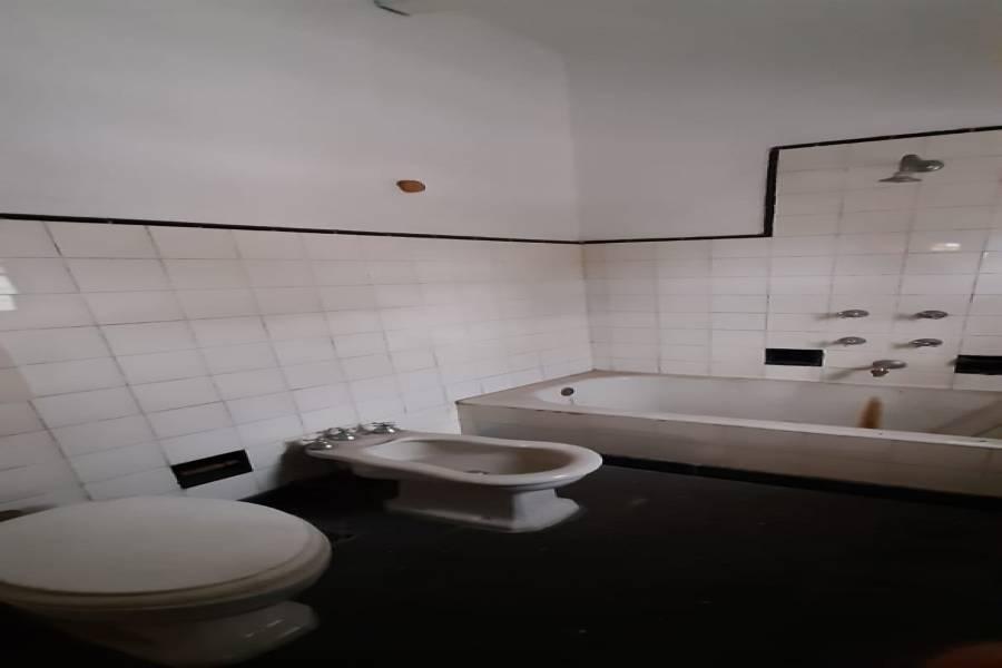 Rosario, Santa Fe, Argentina, 3 Habitaciones Habitaciones, ,2 BathroomsBathrooms,Casas,Venta,CASTAGNINO ,2,42778