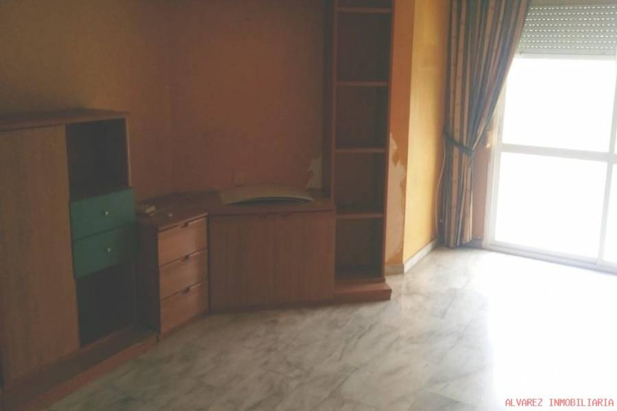 Torremolinos,Málaga,España,4 Bedrooms Bedrooms,2 BathroomsBathrooms,Pisos,5027