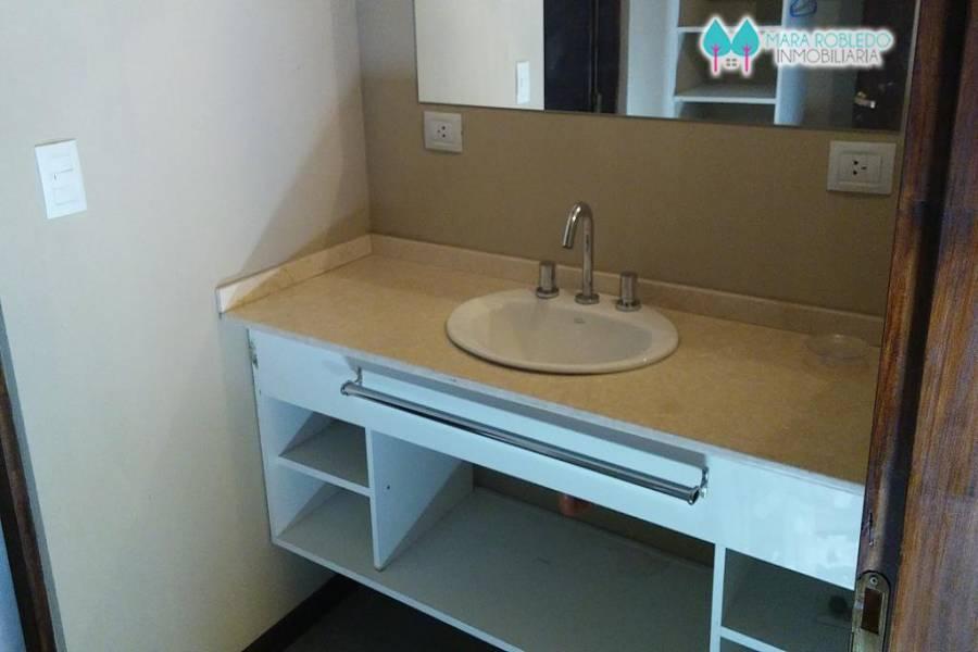 Valeria del Mar,Buenos Aires,Argentina,2 Bedrooms Bedrooms,2 BathroomsBathrooms,Casas,BATHURST,5929