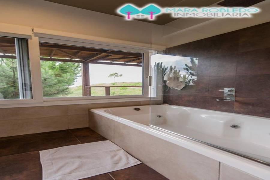 Costa Esmeralda,Buenos Aires,Argentina,5 Bedrooms Bedrooms,4 BathroomsBathrooms,Casas,RESIDENCIAL 1 LOTE 50,6041