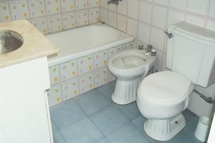 Flores,Capital Federal,Argentina,2 Bedrooms Bedrooms,2 BathroomsBathrooms,Casas,ESPARTACO,6207