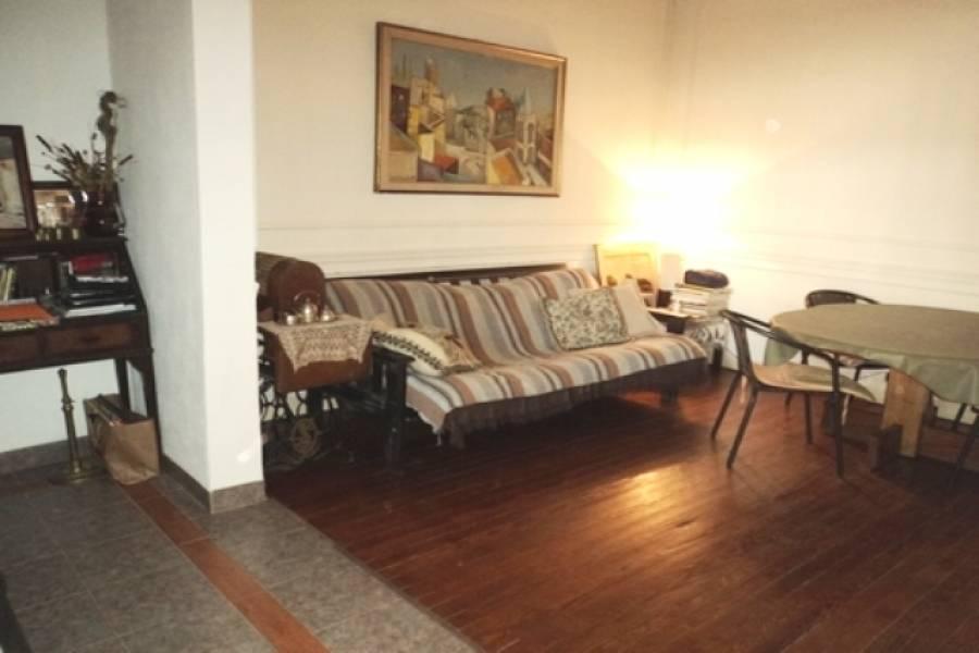 Floresta,Capital Federal,Argentina,2 Bedrooms Bedrooms,1 BañoBathrooms,PH Tipo Casa,RAFAELA,6350