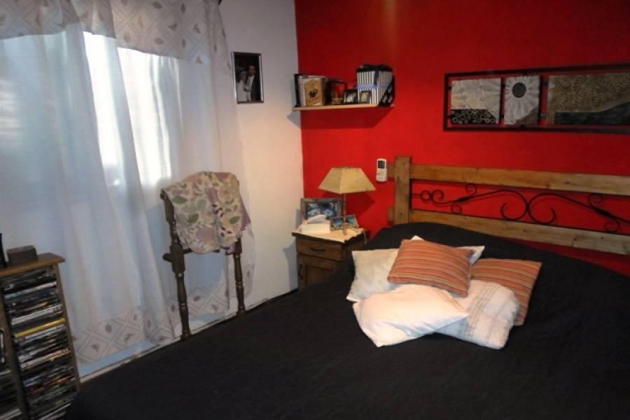 Parque Chacabuco,Capital Federal,Argentina,2 Bedrooms Bedrooms,1 BañoBathrooms,PH Tipo Casa,CACHIMAYO,6473