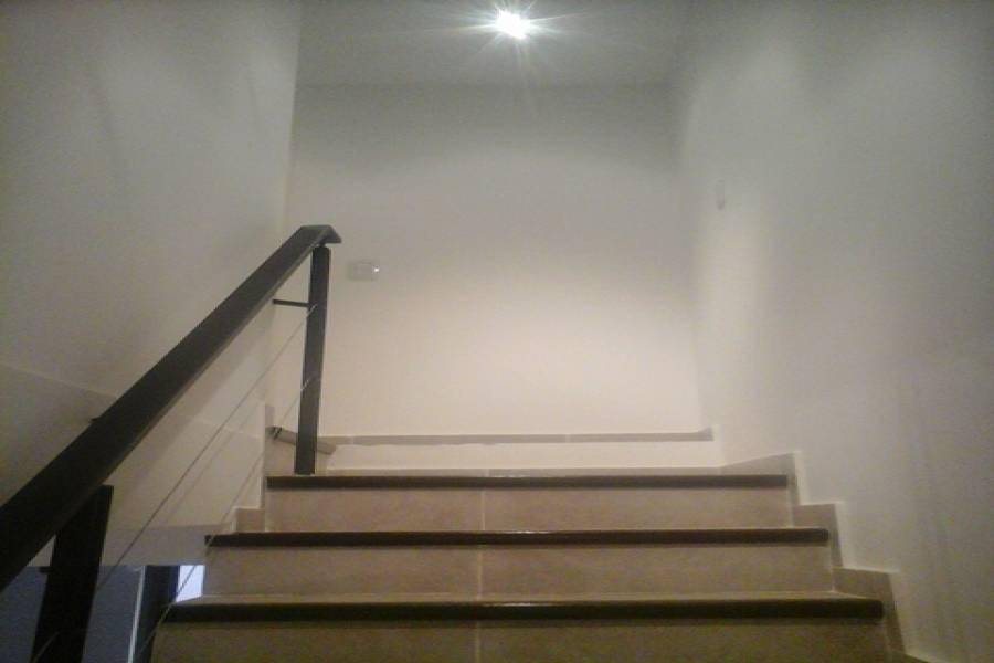 Villa Luro,Capital Federal,Argentina,2 Bedrooms Bedrooms,1 BañoBathrooms,PH Tipo Casa,ARAUJO,6476