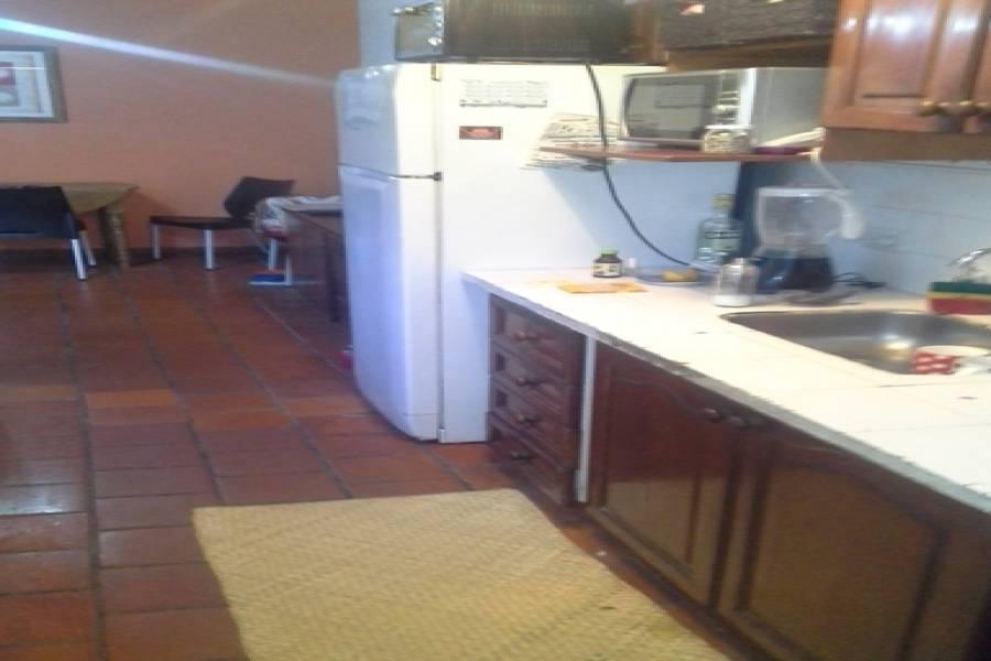 Floresta,Capital Federal,Argentina,2 Bedrooms Bedrooms,1 BañoBathrooms,PH Tipo Casa,BAHIA BLANCA,6551