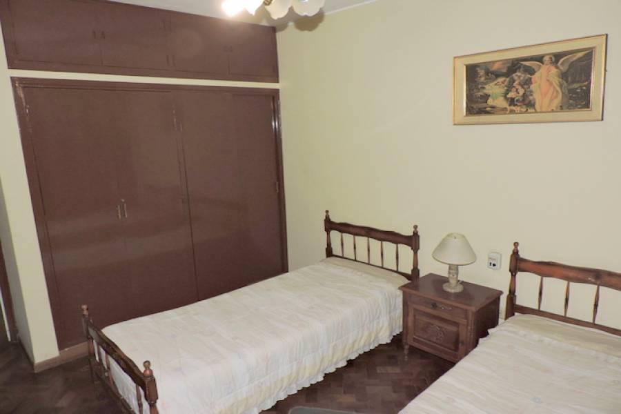San Luis,San Luis,Argentina,3 Bedrooms Bedrooms,350000 BathroomsBathrooms,Casas,Junin al 1100,6696
