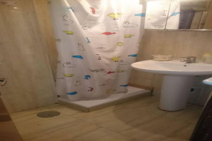 Alicante,Alicante,España,3 Bedrooms Bedrooms,1 BañoBathrooms,Pisos,8449