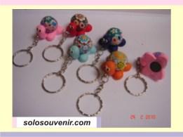 Souvenir Pernikahan Gantungan Kunci+magnet kura2 warna