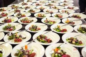 Salat bereit für die hungrigen Gäste - Bildquelle Miriam Ritler