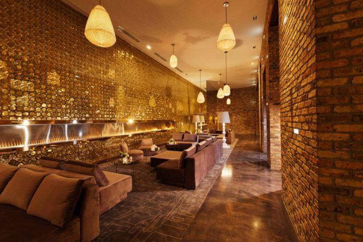 Radisson Blu Aqua Hotel Chicago Lobby