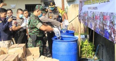 Polres Sukoharjo Musnahkan 1.600 Liter Miras Jenis Ciu