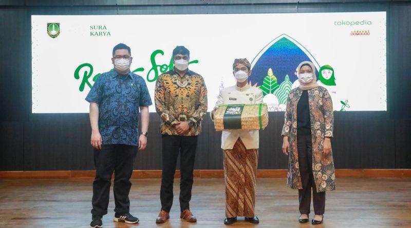 Walikota Solo Gibran meluncurkan Rasa Solo, hasil kolaborasi Surakarya dengan Tokopedia dan Indosat.