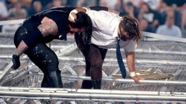 The Undertaker, sobre la lucha en King of The Ring 1998: 'No esperaba que Foley se levantara de la primera caída' | Solowrestling