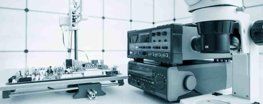 PCB design reliability in a semiconductor lab
