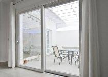 Soluciones puertas para espacios pequeños
