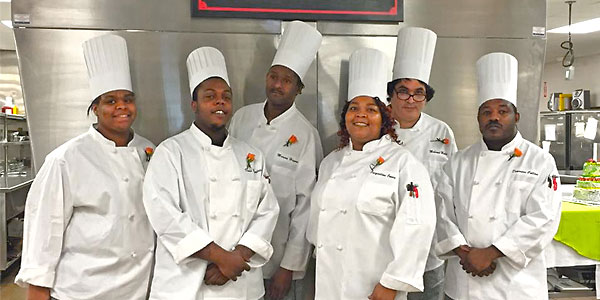 Cincinnatti food bank provides culinary arts training