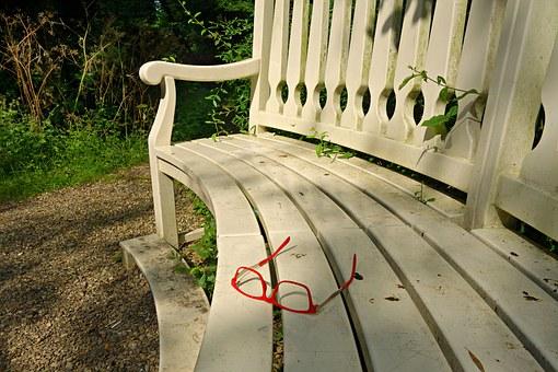bench-1503557__340