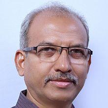 DR visak mahatme faculty for fellowship in phaco at mahatme eye