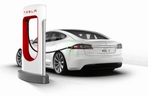 Auto elettrica, riscaldamento con pompa di calore, impianto fotovoltaico che copre il 100% del fabbisogno. La casa del futuro ha un contatore trifase