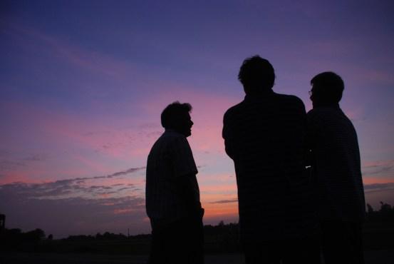கங்கை கொண்ட சோழபுரத்துக்கருகில் ஜெயமோகன், அரவிந்தன் நீலகண்டன், ஜடாயு