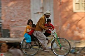 pakistan-daily-life-2009-12-23-11-18-36