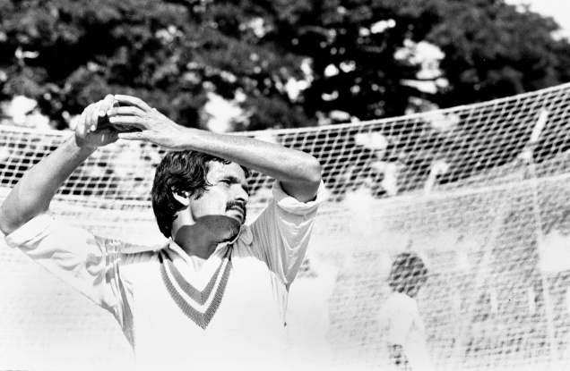 Spinner_Hyderabad_V_Ram_Narayan_Cricketer_Players_SPorts_Pitching