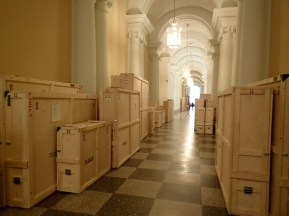 Hermitage treasures packed for shipping
