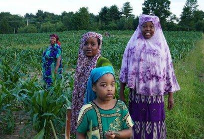 Somali Bantu women and girls in the field