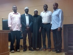 Somalian ylähuoneen puhemies toinen vasemmalta.