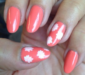 floral nails by Boom Nails